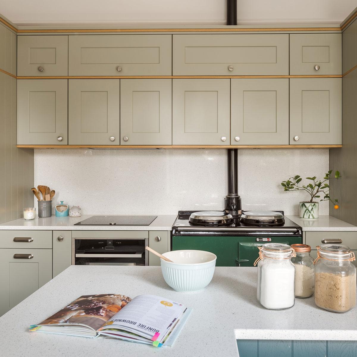 oak shaker kitchen green Leeds